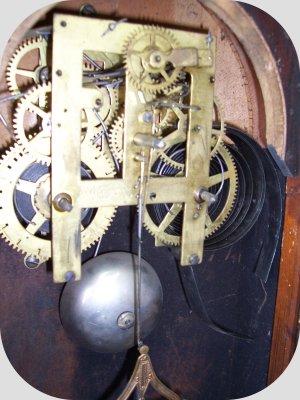 Taller de Relojería Alvarez Rojo, relojero artesano restaurador de relojes, taller de reparación y restauración de relojes antiguos